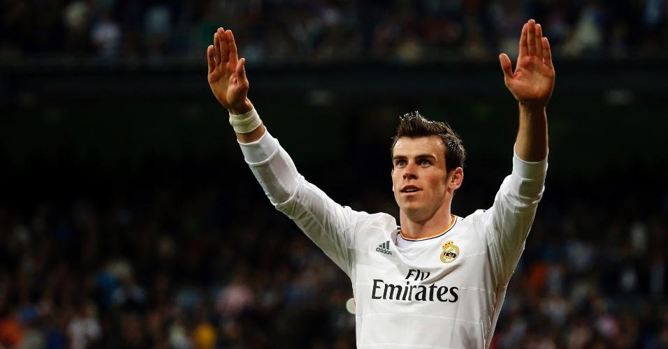 12.abr.2014 - Gareth Bale comemora após marcar um dos gols do Real Madrid contra o Almería
