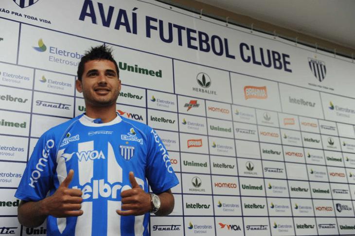 12.abr.2014 - Maurício jogou pelo Avaí em 2011, cedido por empréstimo pelo Villarreal