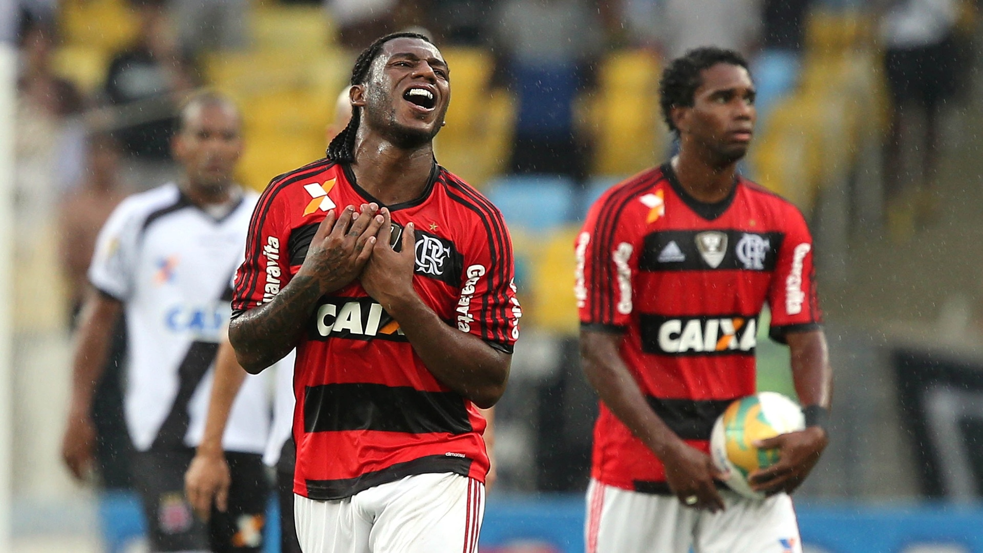 Amaral lamenta chance perdida pelo Flamengo no Maracnaã