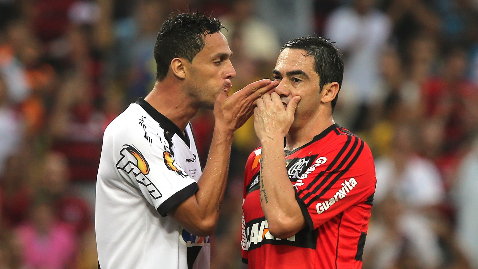 André Rocha e Chicão se desentendem e são expulsos da decisão do Carioca
