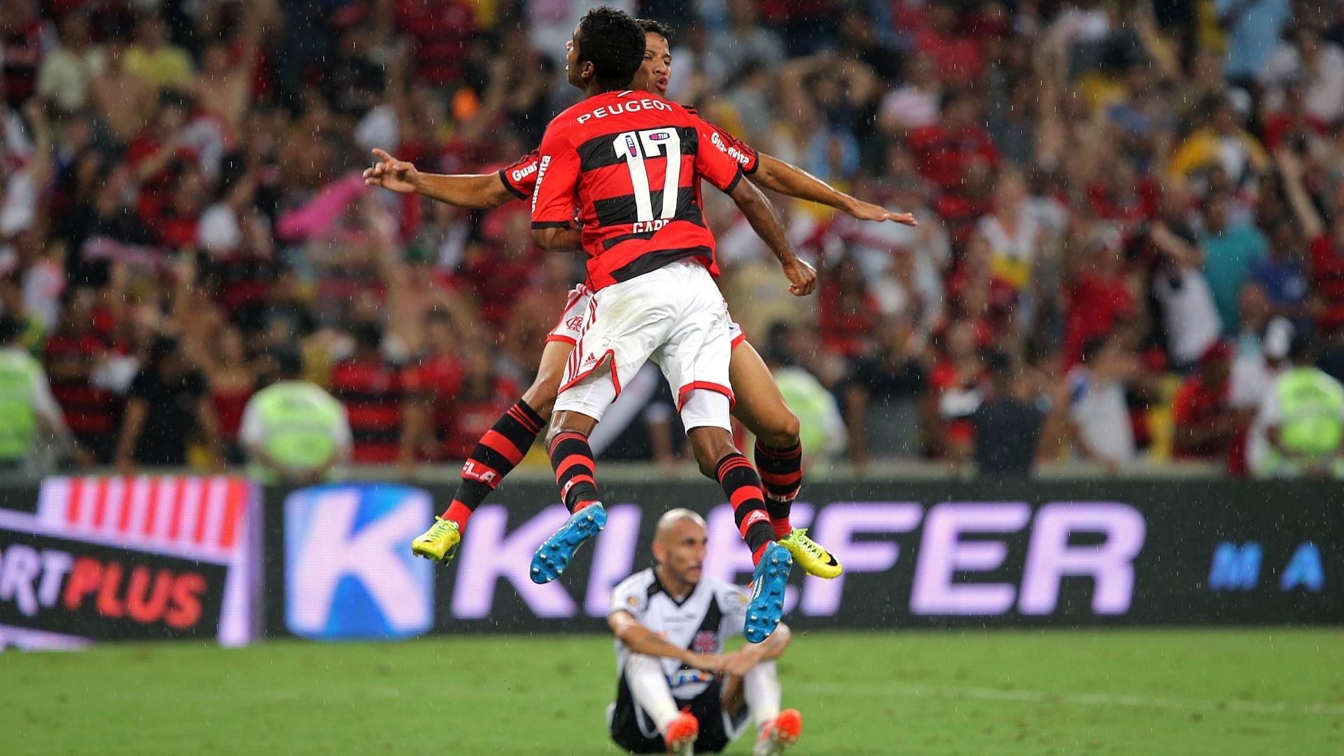 Flamenguistas comemoram título do Campeonato Carioca enquanto Guiñazú senta desolado com o vice