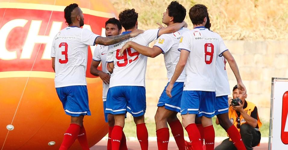 cd1bb5c9ae Jogadores do Bahia comemoram gol sobre o Vitória na final do Campeonato  Baiano Felipe Oliveira AGIF