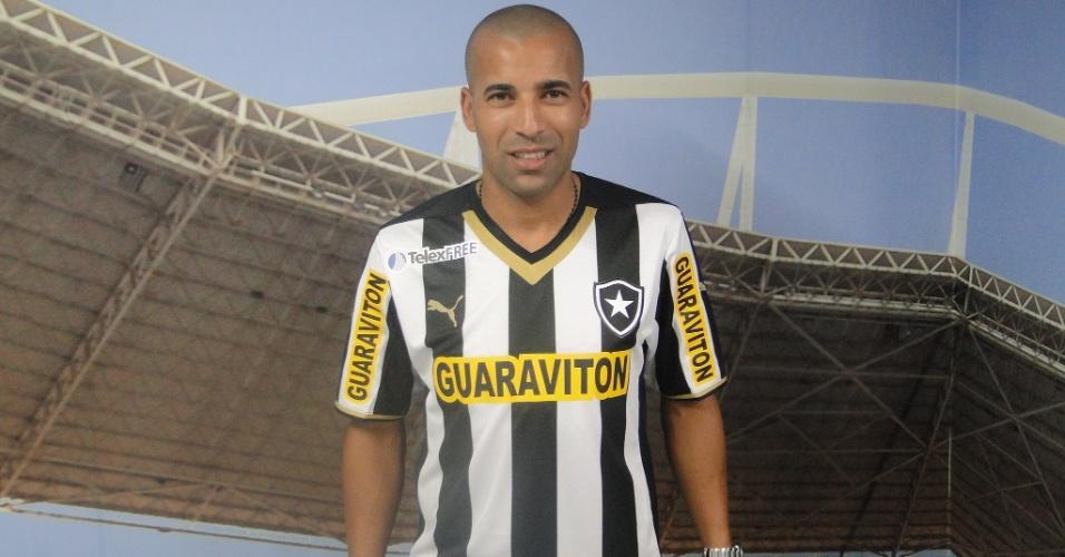 15 abr. 2014 - Após passagem pelo Corinthians, Emerson Sheik assina contrato com o Botafogo até o final da temporada