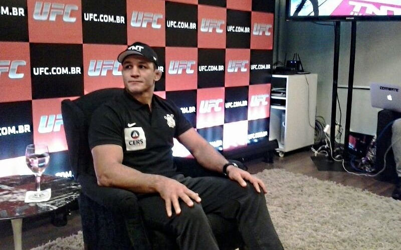 Junior Cigano, lutador do UFC, durante evento de divulgação do UFC 173