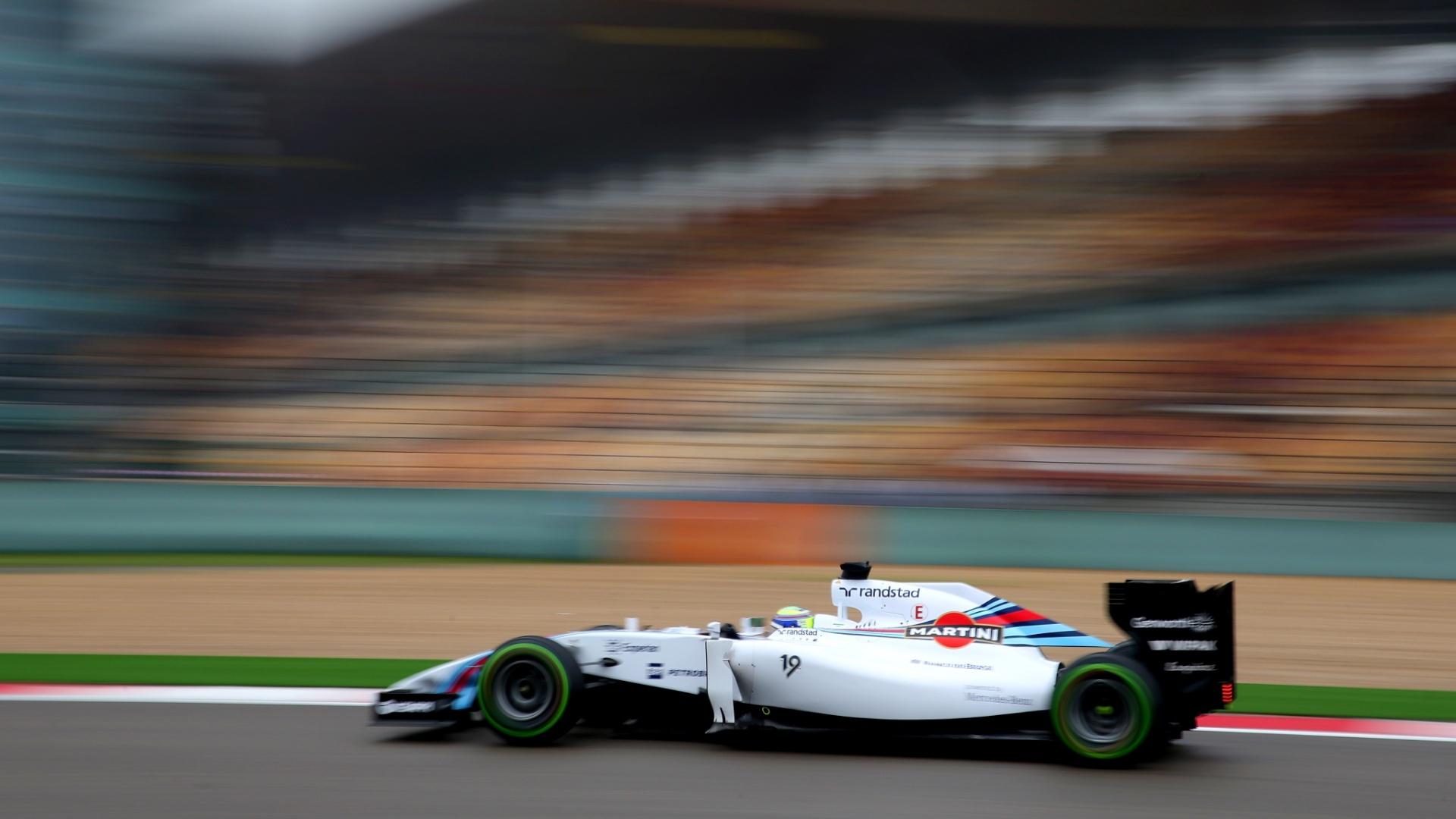 19.abr.2014 - Mesmo com chuva, Massa conseguiu ir no último treino livre e marcou o segundo melhor tempo