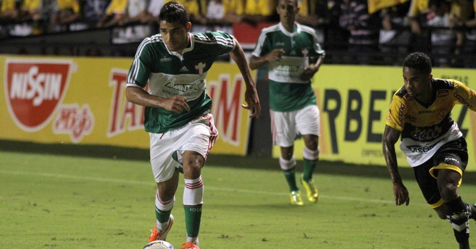 20.abr.2014 - Alan Kardec marcou o segundo gol do Palmeiras sobre o Criciúma