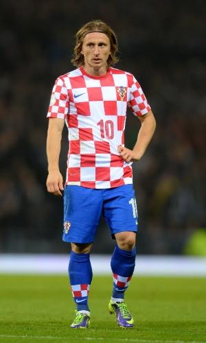 15.out.2013 - Luka Modric, da Croácia, demonstra cansaço durante o amistoso contra a Escócia em partida pelas eliminatórias da Copa-2014