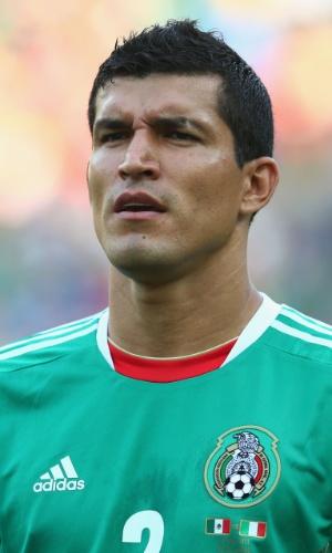 16.jun.2013 - Francisco Javier Rodríguez, do México, canta o hino nacional do seu país antes do jogo contra a Itália pela Copa das Confederações