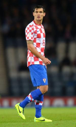 16.out.2013 - Dejan Lovren, da Croácia, em ação durante o jogo contra a Escócia pelas eliminatórias da Copa do Mundo-2014