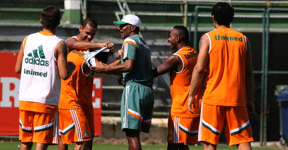 22.04.2014 - O técnico Cristóvão Borges comanda treino na manhã desta terça-feira nas Laranjeiras
