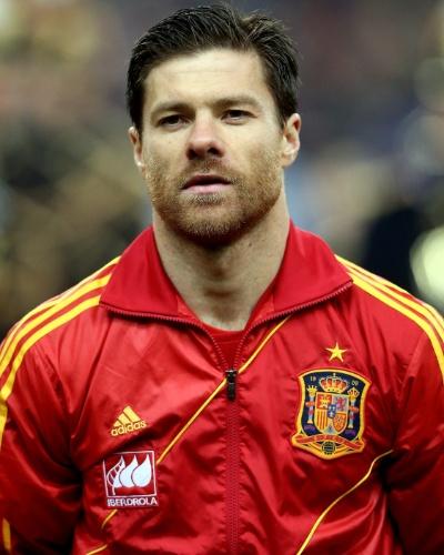 26.mar.2013 - Xabi Alonso, da Espanha, durante a execução do hino nacional antes da partida contra a França pelas eliminatórias da Copa do Mundo-2014