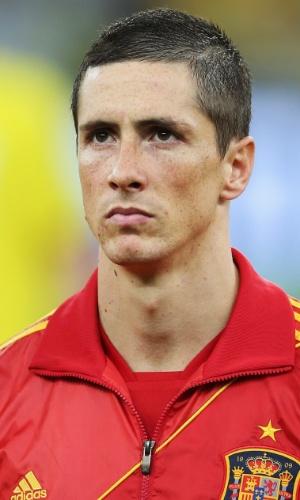 30.jun.2013 - Fernando Torres fica perfilado para a execução dos hinos nacionais antes da final da Copa das Confederações contra o Brasil