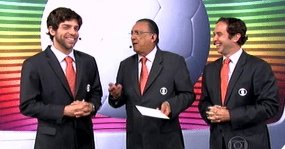23.04.14 - Juninho Pernambucano, Galvão Bueno e Caio Ribeiro durante transmissão da Liga dos Campeões