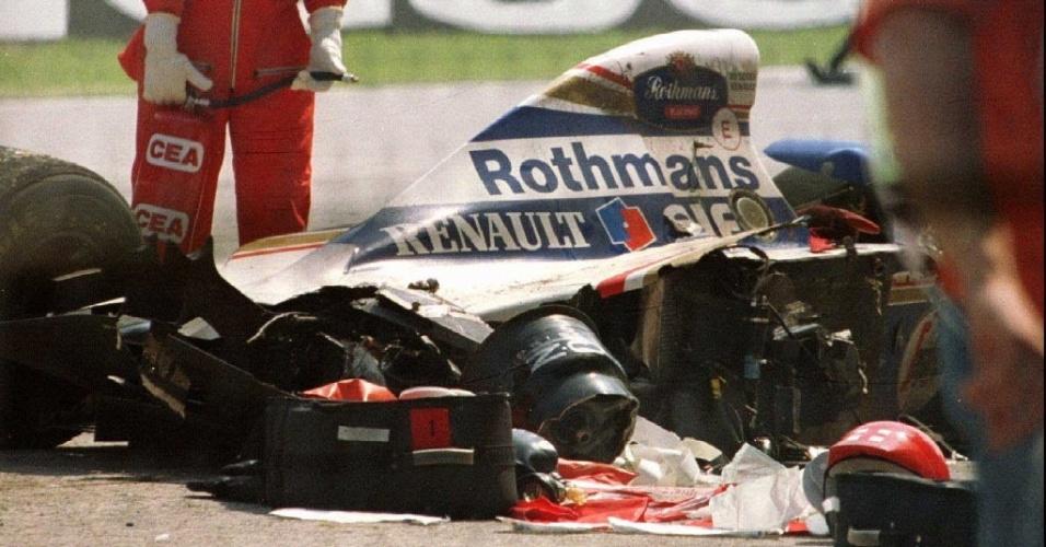 Williams de Ayrton Senna destruída após acidente fatal em Ímola, em 1994