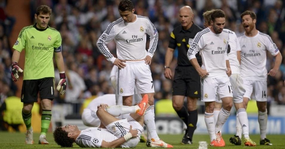 Zagueiro do Real, Pepe sente dores musculares e precisa ser substituído - (23.abr.2014)