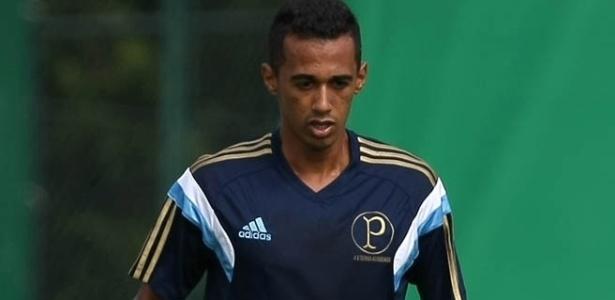 Juninho não quer ficar no Palmeiras depois da pausa para a Copa do Mundo