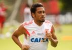 Flamengo confirma busca por dupla de zagueiros e cogita volta de Hernane