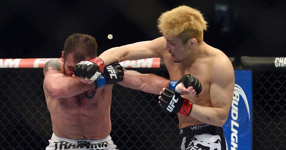 26.abr.2014 - Takanori Gomi dominou Issac Vallie-Flagg por três rounds e venceu por pontos no UFC 172