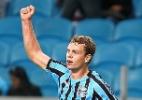 Grêmio negocia centroavante e lateral fora dos planos com times de SC
