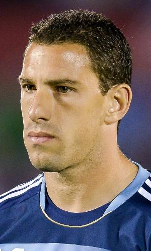 15.out.2013 - Maxi Rodríguez, da Argentina, fica perfilado antes do jogo contra o Uruguai pelas eliminatórias da Copa do Mundo-2014