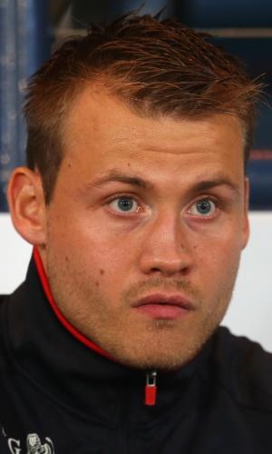 06.set.2013 - Simon Mignolet, goleiro da Bélgica, fica no banco de reservas durante a partida contra a Escócia pelas eliminatórias da Copa do Mundo-2014