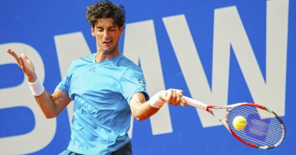 02.mai.2014 - Thomaz Bellucci não consegue segurar o italiano Fabio Fognini e perde nas quartas de final do ATP 250 de Munique