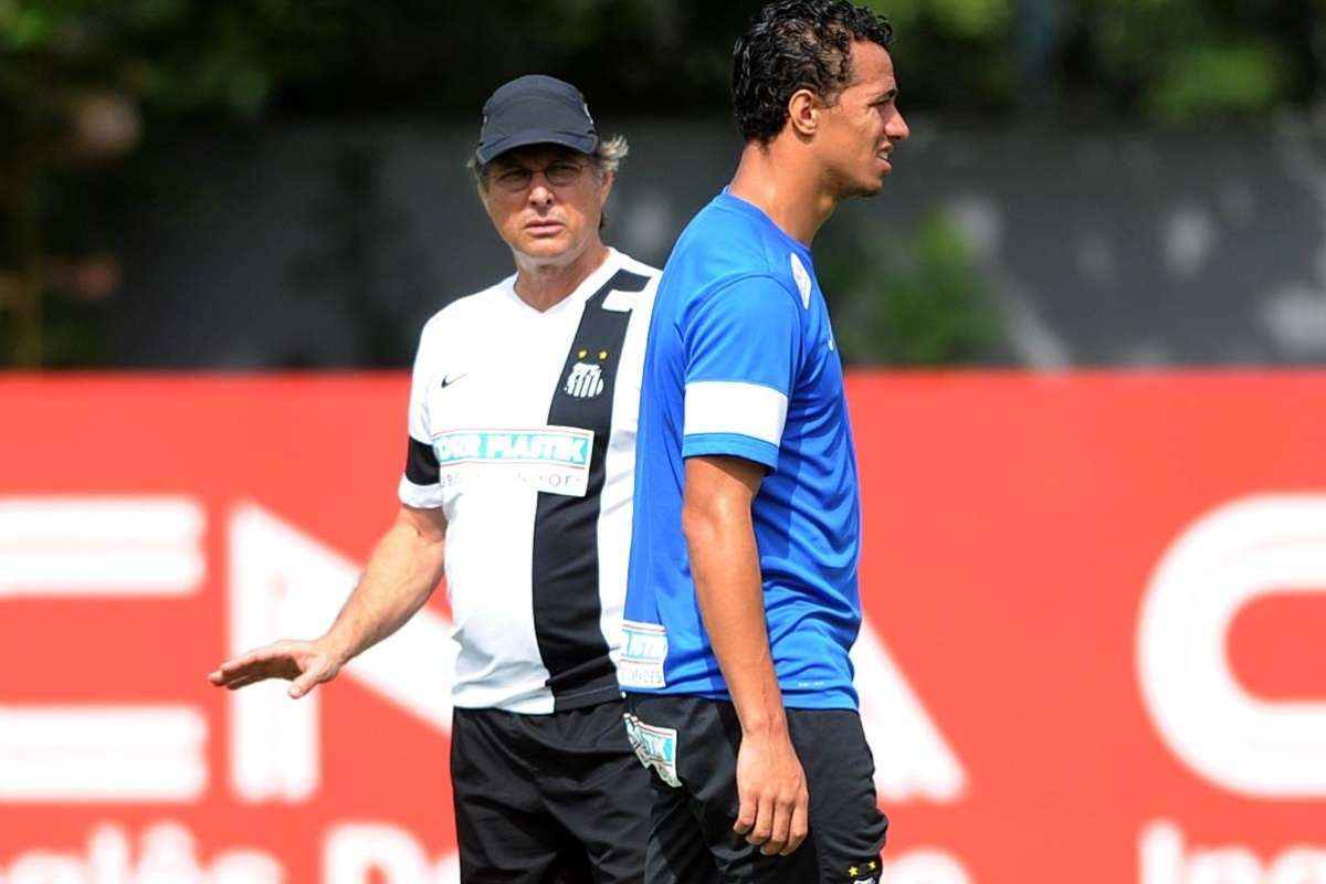 Oswaldo já não vê Damião como titular absoluto. Camisa 9 não marca um gol há cinco jogos