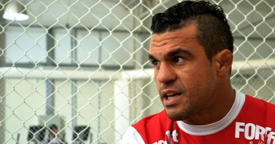 Vitor Belfort concede entrevista ao UOL Esporte em sua academia, na Barra da Tijuca, zona oeste do Rio de Janeiro