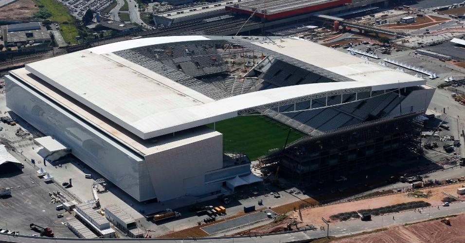 08.05.14 - Vista aérea do Itaquerão nesta quinta-feira, data da visita de Dilma Rousseff ao estádio