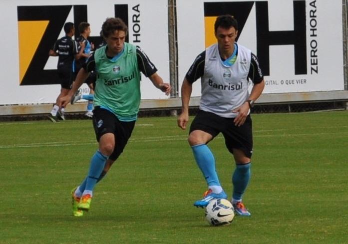 13 mai 2014 - Kleber Gladiador volta a treinar com grupo do Grêmio