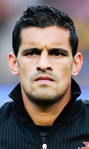 15.out.2013 - Ricardo Costa, de Portugal, fica perfilado antes da partida contra Luxemburgo pelas eliminatórias da Copa do Mundo-2014