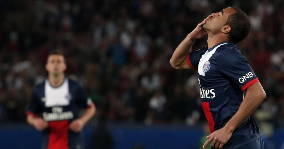 Lucas, do Paris Saint-Germain, comemora ao marcar gol contra Montpellier durante o Campeonato Francês