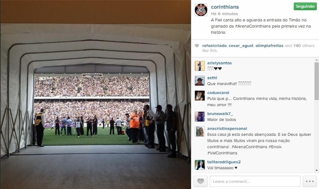 18.mai.2014 - Foto postada pelo Instagram do Corinthians mostra a visão dos jogadores no momento da entrada em campo no Itaquerão
