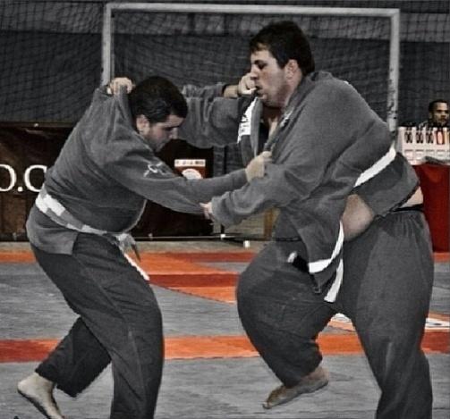 - felipe-diz-que-chegou-ao-fundo-do-poco-e-que-o-convite-de-um-professor-de-jiu-jitsu-acabou-mudando-sua-vida-1400606922020_503x469