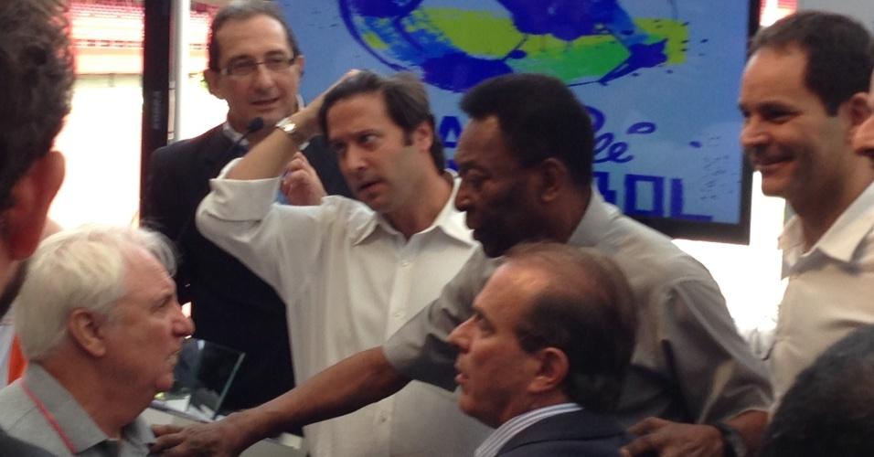 Pelé pediu para que os brasileiros apoiem a seleção durante os jogos da Copa