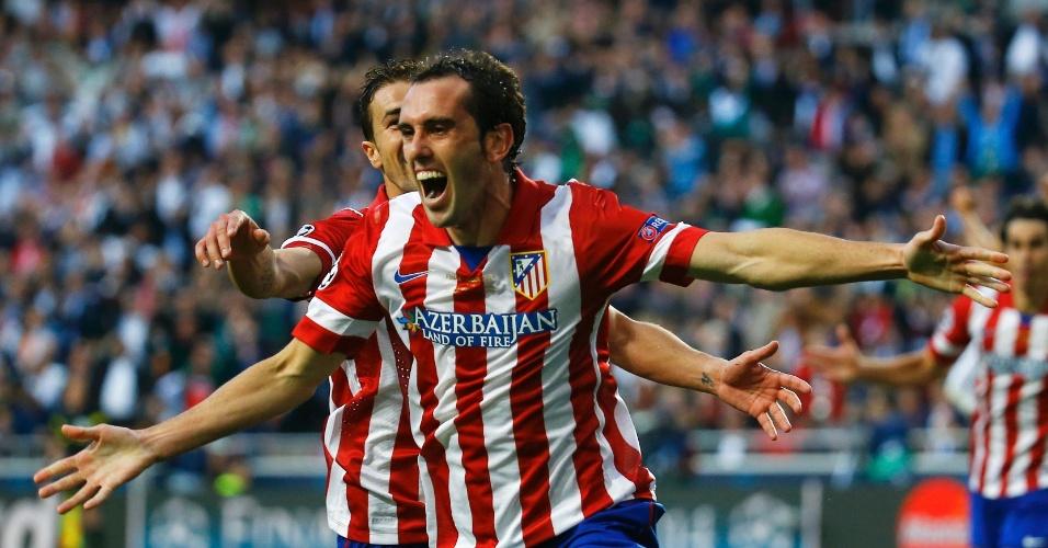 24.mai.2014 - Godin comemora gol do Atlético de Madri sobre o Real Madrid na final da Liga dos Campeões