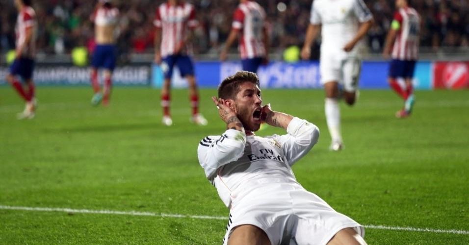 24.mai.2014 - Sérgio Ramos celebra seu gol que salvou o Real Madrid e levou jogo à prorrogação