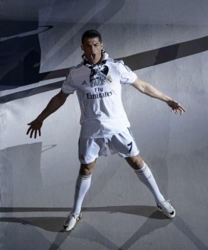 25.mai.2014 - Cristiano Ronaldo, que fez um gol na final, grita com a torcida madridista