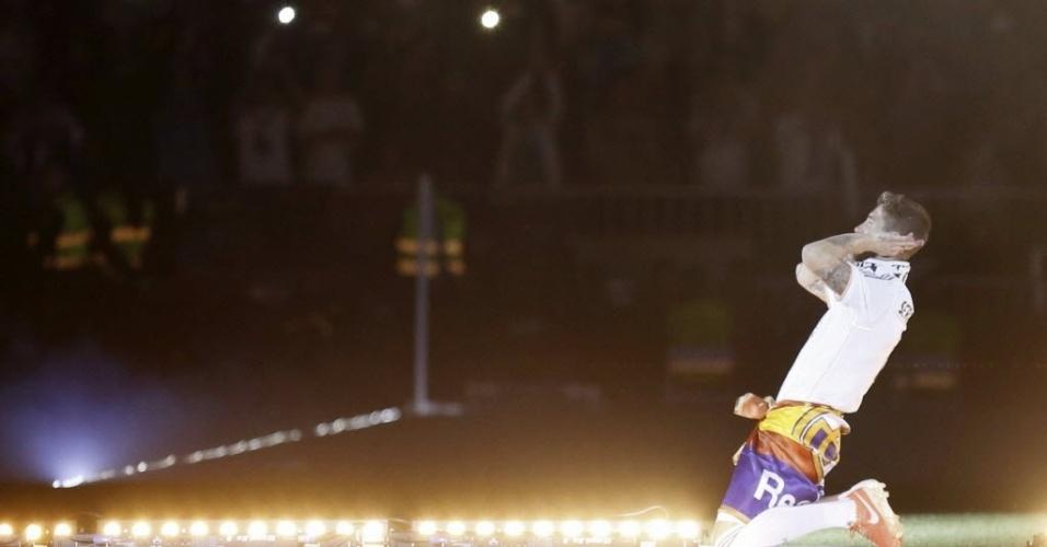25.mai.2014 - Sérgio Ramos, que salvou o título no último minuto do tempo regulamentar, escuta a torcida