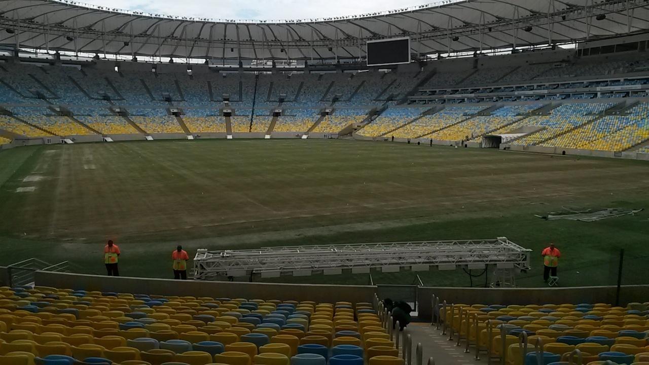 Maracanã apresenta gramado desgastado a 20 dias de receber seu primeiro jogo da Copa