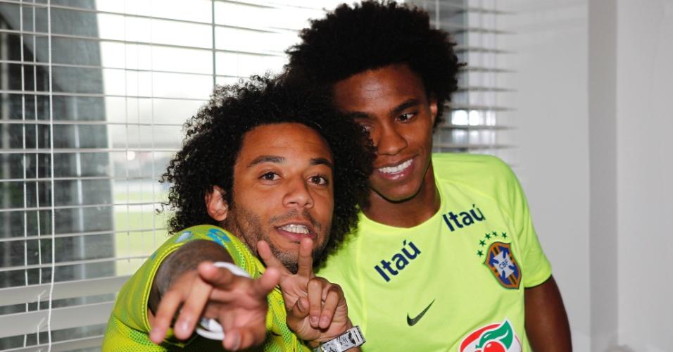 Marcelo e Willian na Granja Comary nesta terça-feira