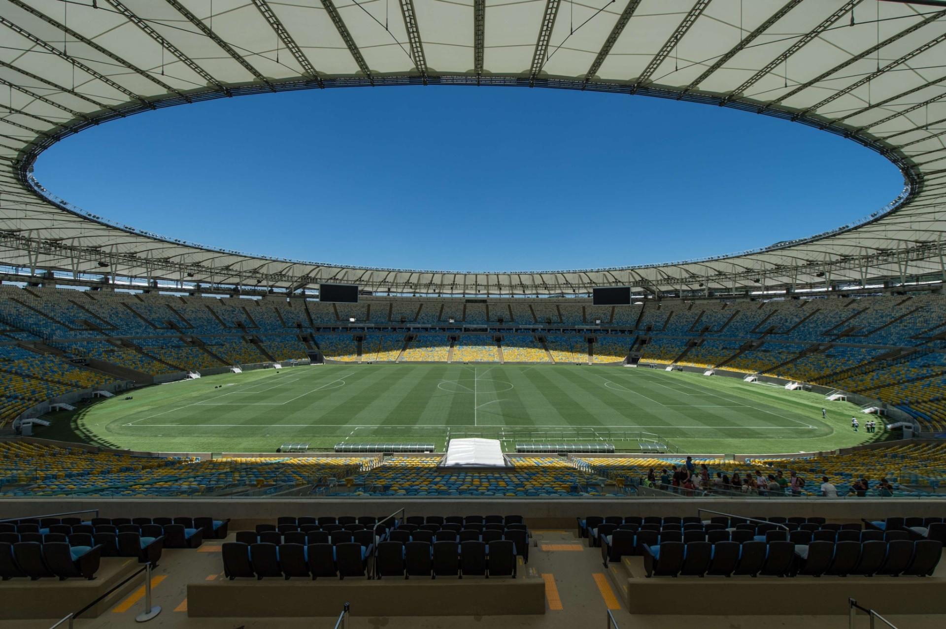 Vista do meio-campo no Maracanã