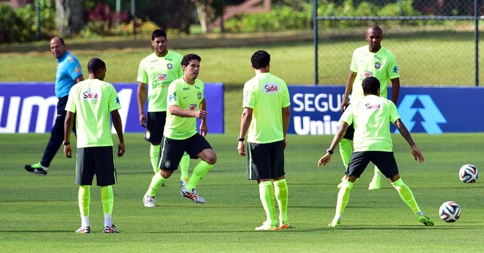 Seleção brasileira iniciou treinos desta quinta-feira, em Teresópolis