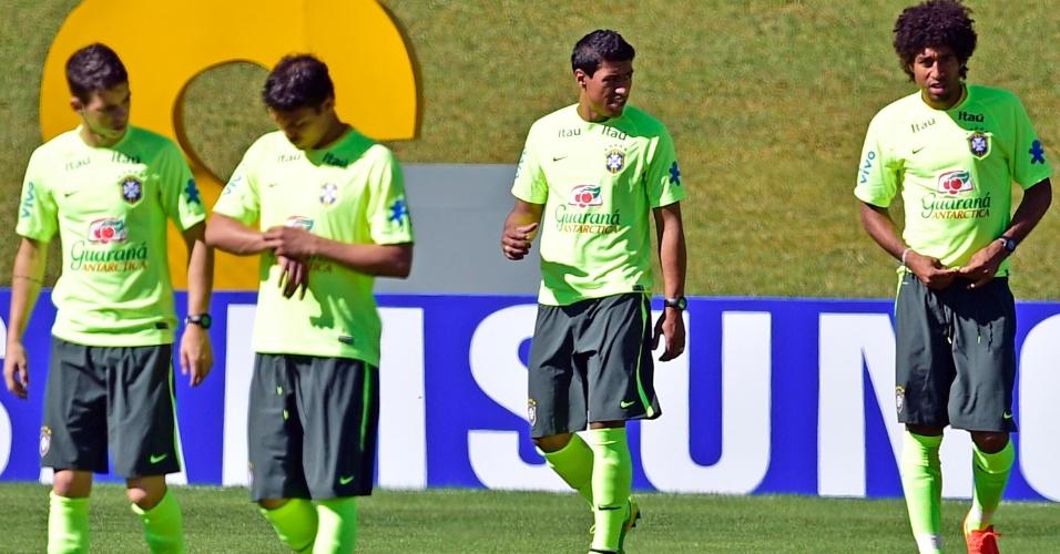 Paulinho participa de treinamento desta sexta, em Teresópolis