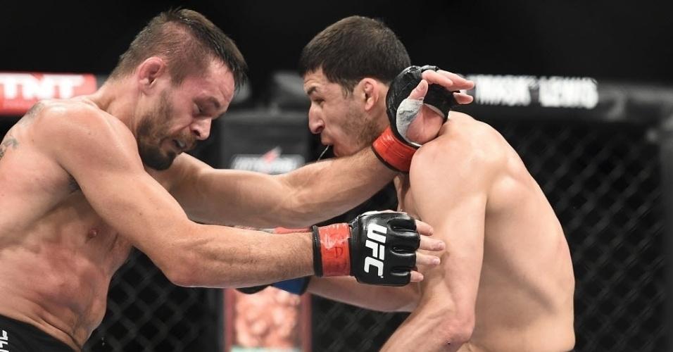 31.mai.2014 - Rashid Magomedov e Rodrigo Damm lutam em São Paulo. O russo levou a melhor nos pontos
