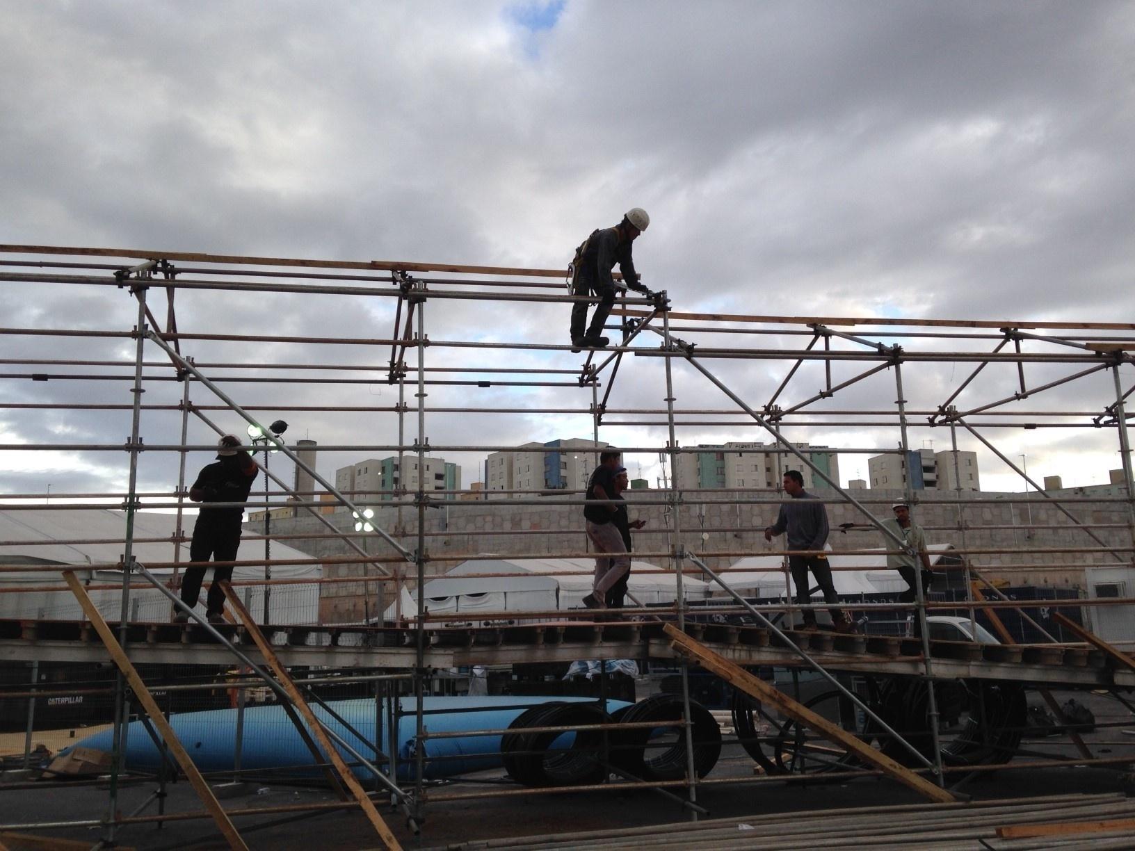 01. jun. 2014 - Obras no Itaquerão durante o jogo entre Corinthians e Botafogo