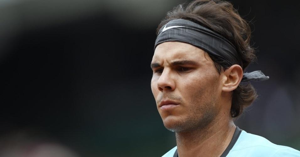 02.jun.2014 - Rafael Nadal se concentra durante partida contra Dusan Lajovic