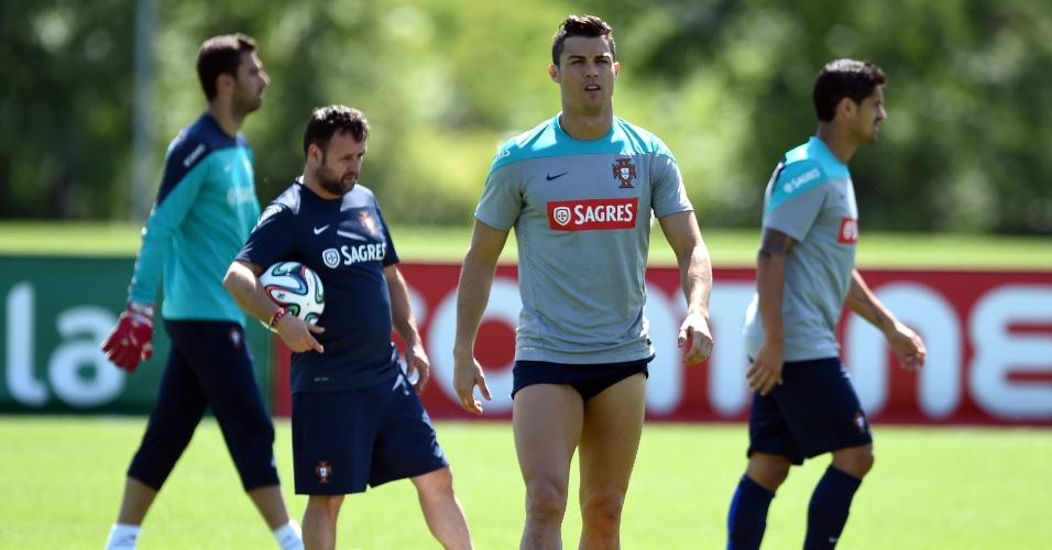 Capitão da seleção de Portugal, atacante Cristiano Ronaldo treina no Florham Park, em Nova Jersey