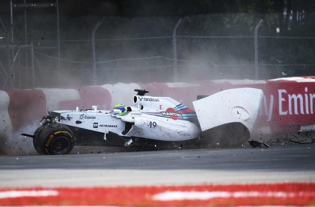 08.jun.2014 - Massa bate após tentar ultrapassar Sergio Perez na última volta do GP do Canadá
