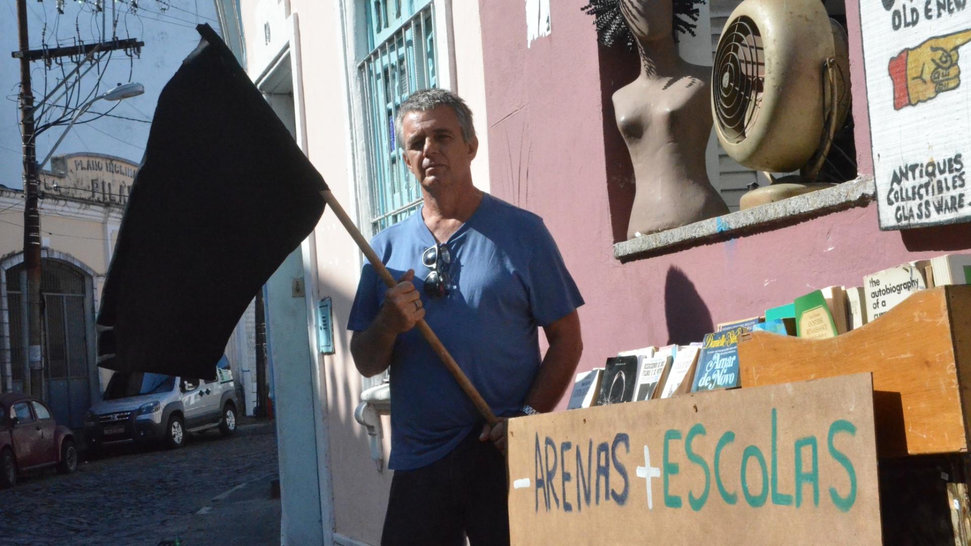 João Cabral diz que está pronto para protestar, mas vai torcer para o Brasil